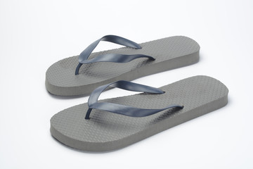 Par de chanclas de color gris