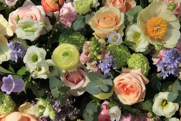 Mixed bridal arrangement