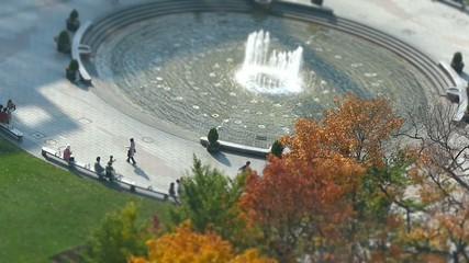 秋の日の噴水の風景_ジオラマ風