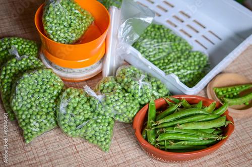 Peas packing