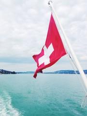 schweizer Flagge auf Schiff