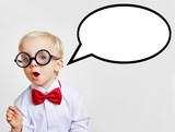 Kind als Professor mit leerer Sprechblase