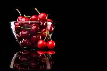 Juicy cherries in a bowl