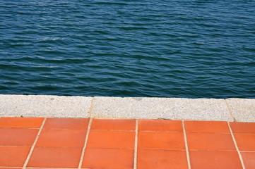 Textur / Terracotta - Bodenplatten mit Meer - Hintergrund