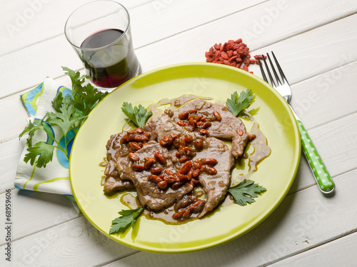 escalope with goji berries
