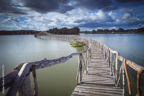 fototapeta na ścianę Drewniany most Zbiornik rozjazd południowej Tajlandii