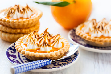 Mini orange curd tartlets