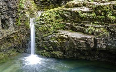 Wasserfall in den Alpen