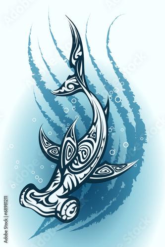 Hammerhead shark swimming through water - 68981211