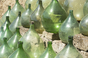 Demijohns or carboys empty