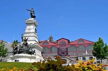 statue Heinrich des Seefahrers in Porto