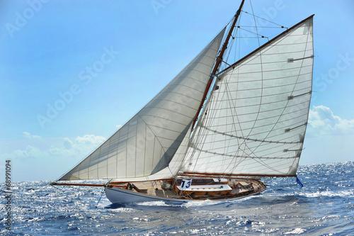 Barca a vela © bussiclick
