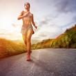 Zdjęcia na płótnie, fototapety, obrazy : Running Woman