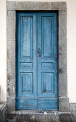 vecchio portoncino azzurro