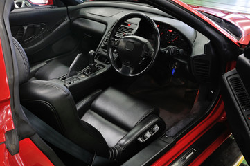 オープンカーの運転席