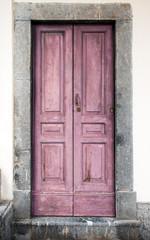 vecchio portoncino rosa