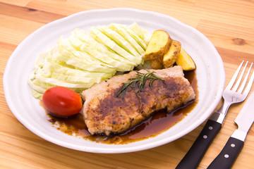 豚肉のステーキ 黒酢ソース