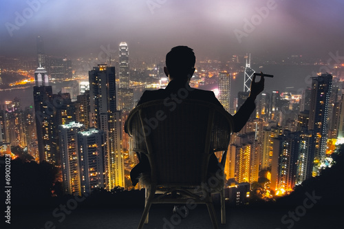businessman sit on chair - 69002023
