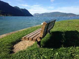 solitude au bord de l'eau