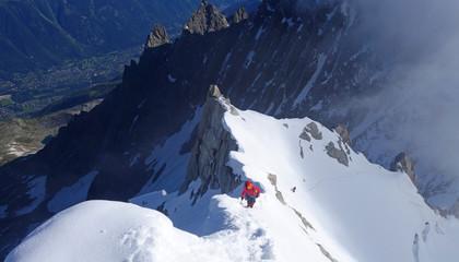 Alpinisme dans le massif du mont Blanc - arête Midi-Plan