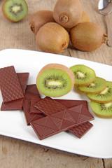 Kiwi mit Schokolade