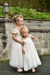 Two littles bridesmaids