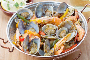 Traditional portuguese seafood dish - cataplana-The cooking proc