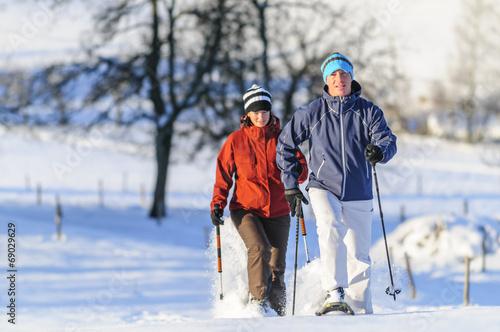 Papiers peints Glisse hiver Schneeschuh-Spass im Winter