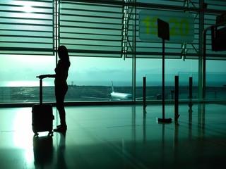 Mujer en el aeropuerto