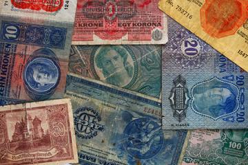 Verschiedene Banknoten_Alt