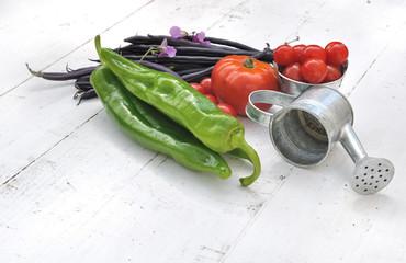 légumes sur bois blanc