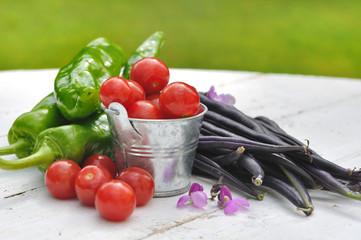 légumes sur table bois blanc