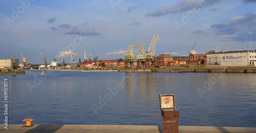 Szczecin - przemysł  stoczniowy - dźwigi - 69051874