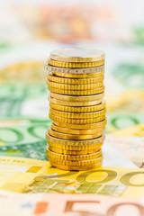 Einzelner Stapel Geldmünzen