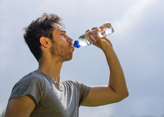 athlete drinks water