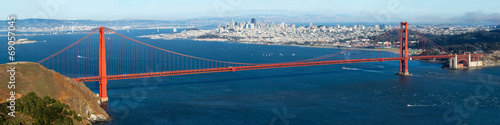 Foto op Canvas Openbaar geb. Golden Gate with San Francisco city view