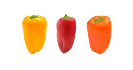 Frische Mini Paprikas freigestellt auf weißem Hintergrund