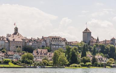 Murten, Altstadt, historisches Schloss, Seeufer, See, Schweiz
