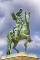 Statue de Louis XIV équestre