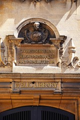 Entrance to the public library and museum of Oxford
