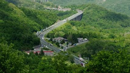 Ligurischer Apennin Autobahn vid 01