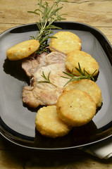 Chuleta de maiale and kartoffeln หมูสับและมันฝรั่ง 猪排和土豆