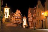Romantische Nachtstimmung in Rothenburg ob der Tauber - 69101250