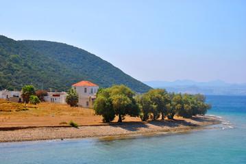 Oude huizen aan de kust