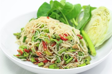 Rice vermicelli spicy salad, Thai style