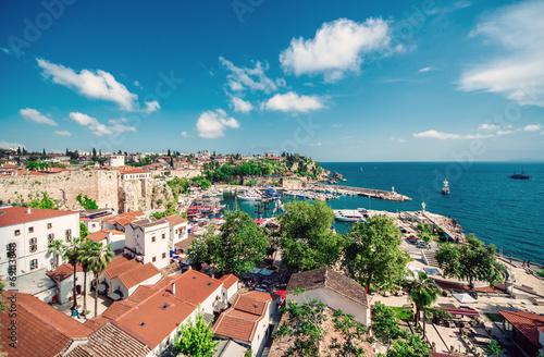 Aluminium Poort Antalya cityscape. Turkey