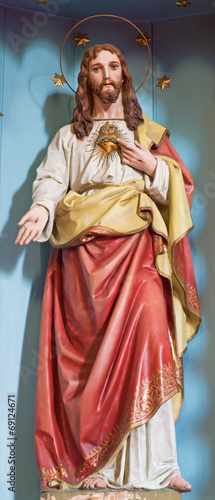 The carved statue of Heart of Jesus Christ - 69124671