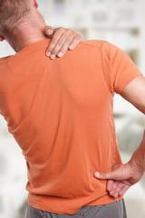 Schmerzen und Verspannung im Rücken