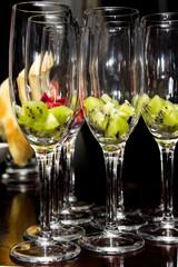 drink glasses kiwii strawsberry