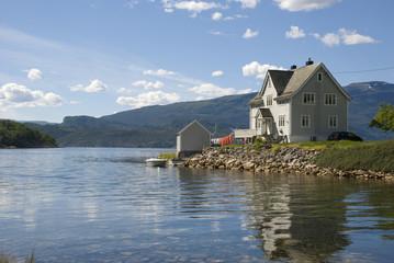 idyllisches landhaus am hardangerfjord, norwegen